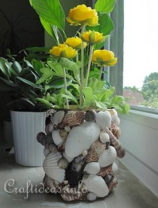Recycling_Craft_-_Seashell_Can