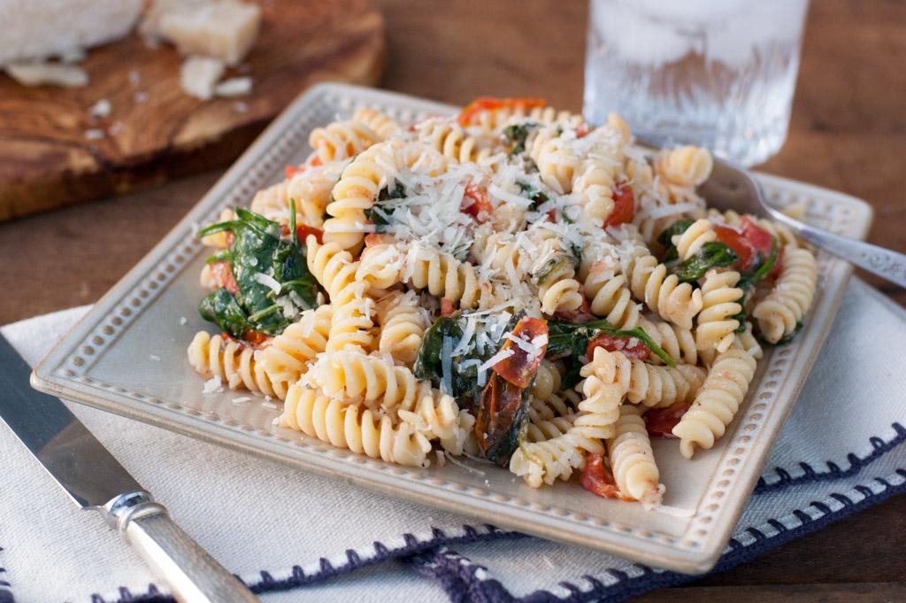 fusilli-pasta-with-spinach-4