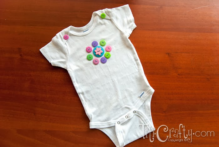 Button-Flower-Onesie-02