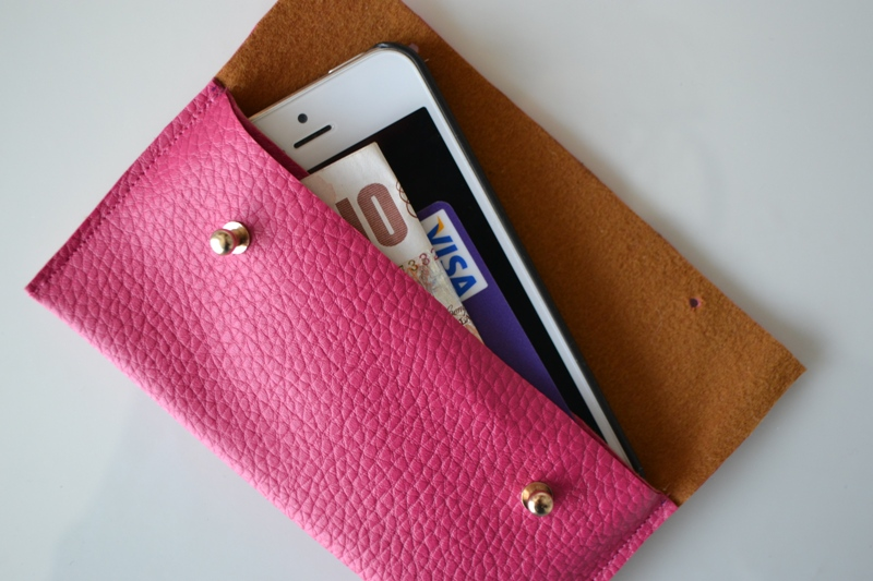 huge selection of 7c08f fb7d8 14 DIY Phone Cases - A Little Craft In Your Day
