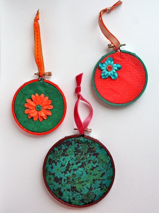 Rit-Dye-Christmas-Ornaments