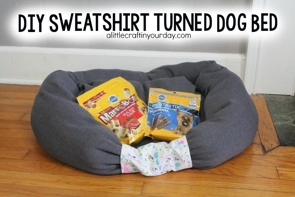 DIY_Sweatshirt_turned_dog_bed