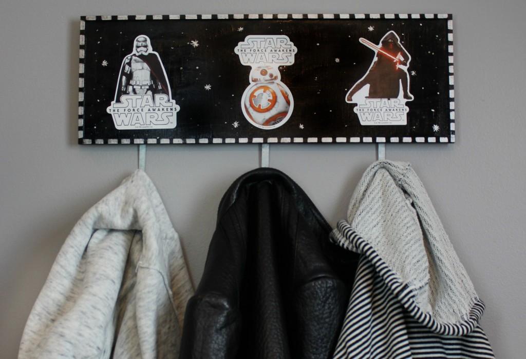 DIY_star_Wars_coat_rack_1