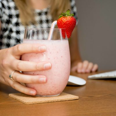 Easy and Delicious Strawberry Pineapple Smoothie thumbnail