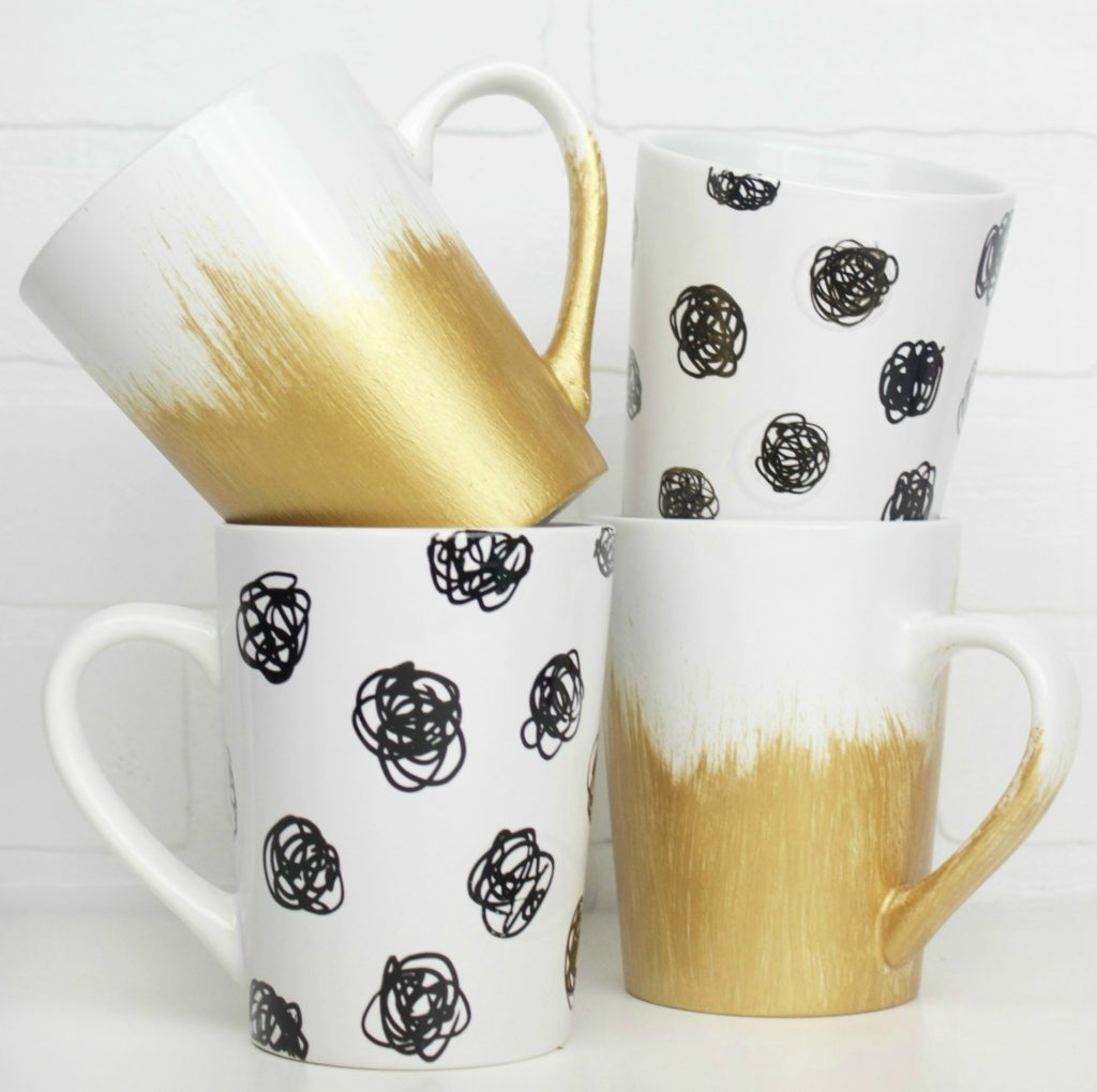 DIY_Black_&_Gold_Mug_Set_1