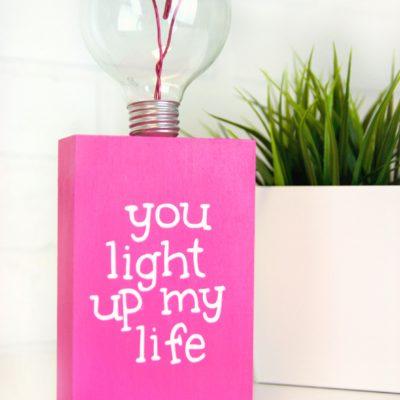 DIY Valentine's Day Lightbulb Gift thumbnail