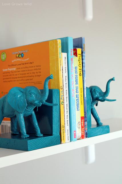 Plastic_Elephant_Book_Ends_6