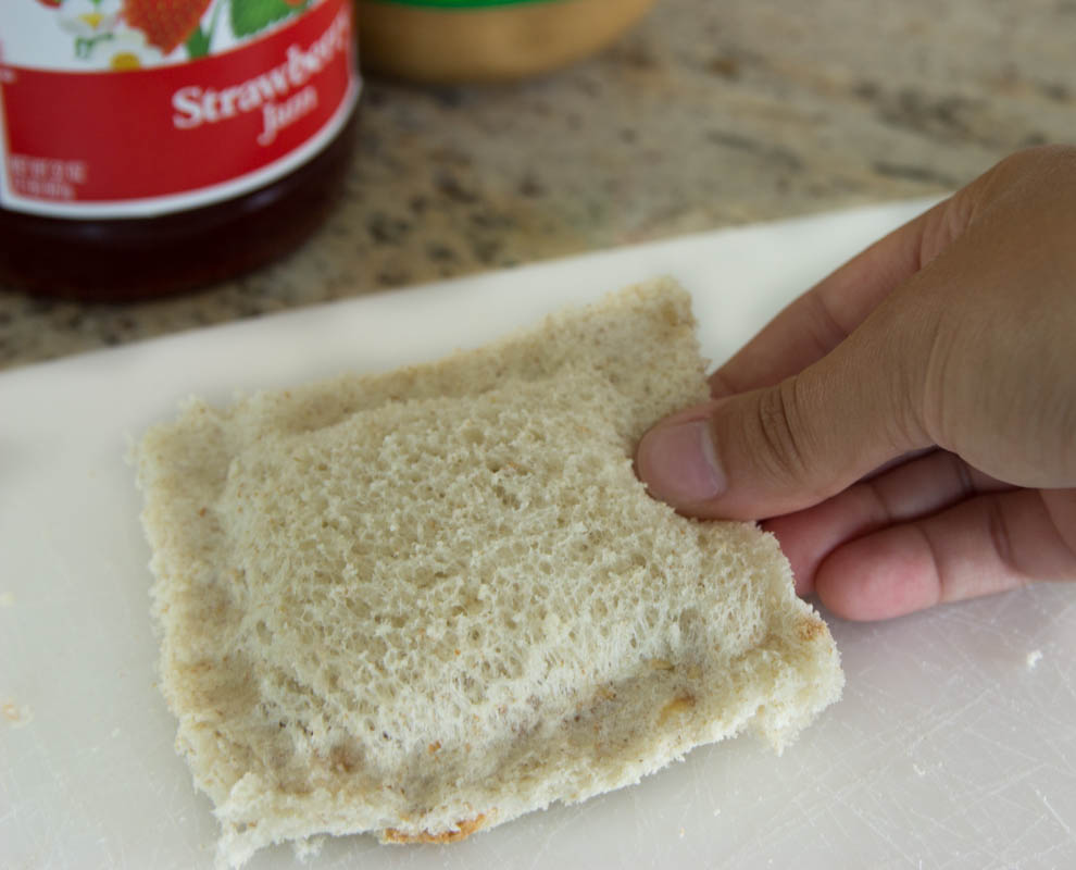 pb&j pouch, pb&j recipe, easy kid snack, easy after school snack idea, easy peanut butter and jelly snack ideas, peanut butter and jelly recipe