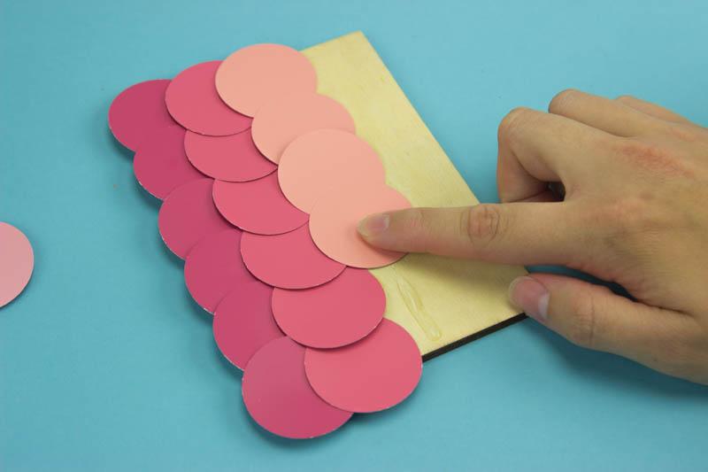 diy paint chip art, diy paint chip ides, paint chip craft, paint chip craft ideas, diy paint chip craft ideas