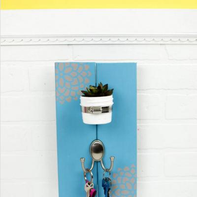 DIY Succulent Key Holder thumbnail
