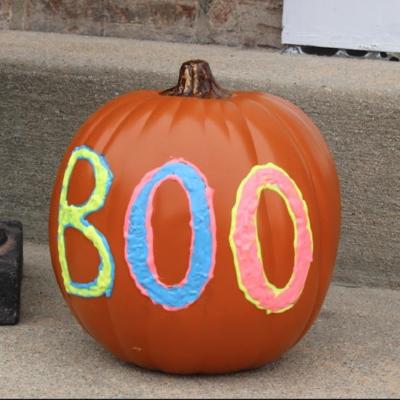 Halloween Craft Ideas – 5 Ways To Decorate a Pumpkin thumbnail