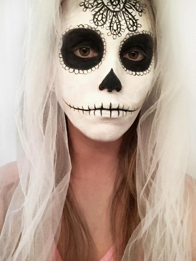 easy halloween makeup, halloween makeup ideas, diy halloween makeup, easy halloween makeup tutorials