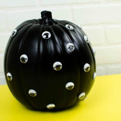 DIY Googly Eye Pumpkin | No-Carve Pumpkin Idea thumbnail
