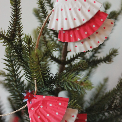 DIY Christmas Crafts For Teens and Tweens thumbnail