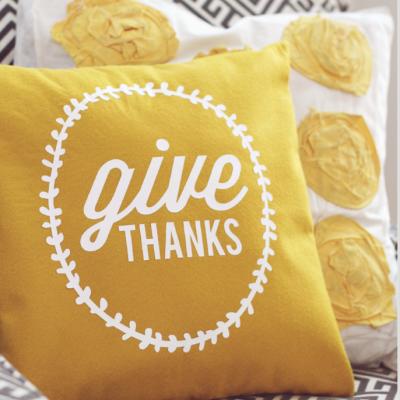 30 DIY Thanksgiving Craft Ideas thumbnail