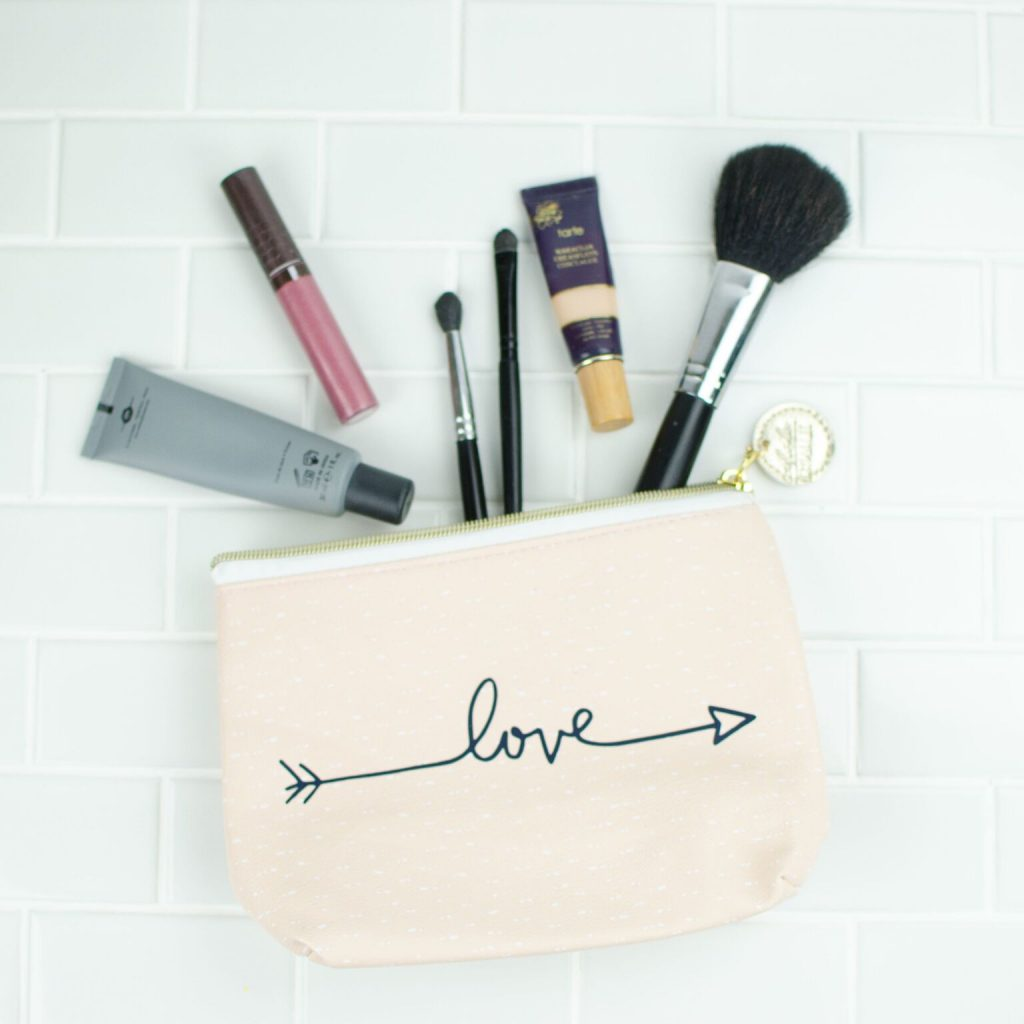DIY Valentine's Makeup and Jewelry Pouches