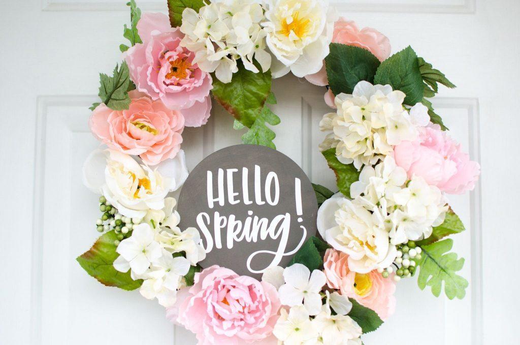 Easy DIY Hello Spring Wreath