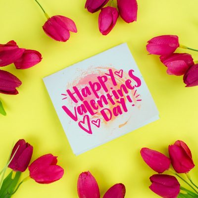 Easy DIY Cricut Valentine's Day Cards thumbnail