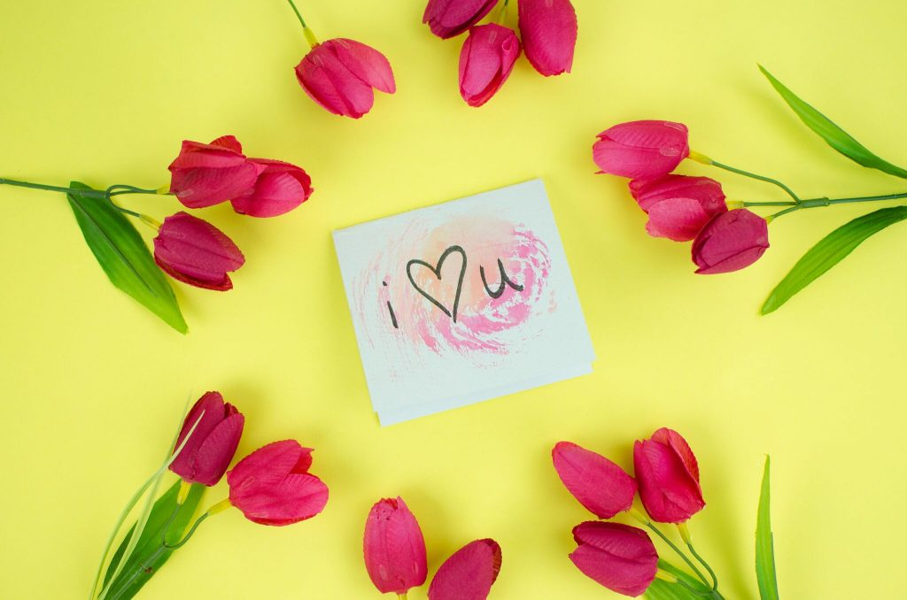 Easy DIY Watercolor Valentine's Day Cards