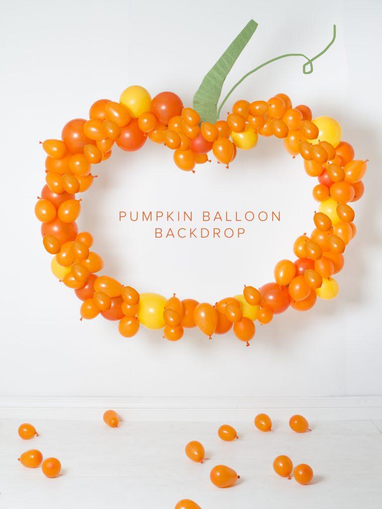 DIY Pumpkin Balloon Backdrop