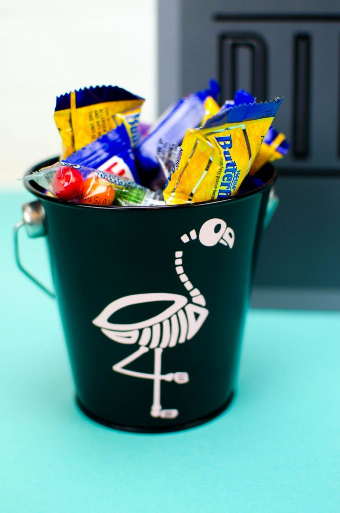 Easy Halloween Party Favor Buckets