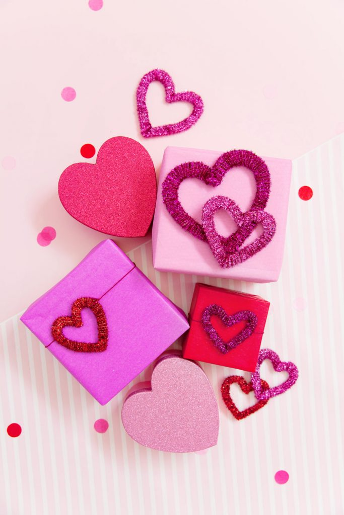 DIY PIPE CLEANER HEARTS