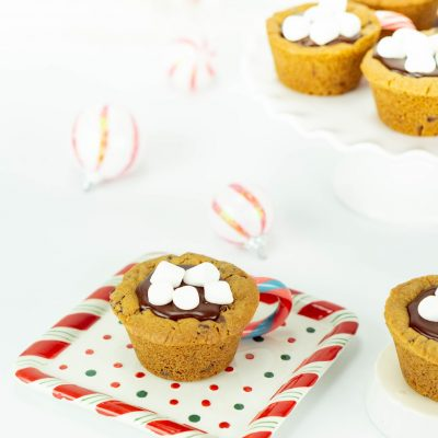 Hot Cocoa Christmas Cookie Cups thumbnail