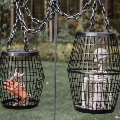 DIY Budget Friendly Outdoor Halloween Decorations thumbnail