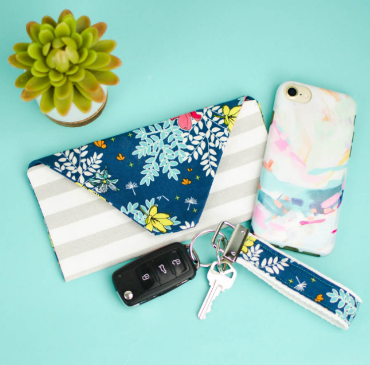 Sewn accessories - makes great Christmas gifts you can make on a budget