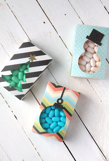 Christmas tic-tacs - makes a great Christmas gift you can make on a budget
