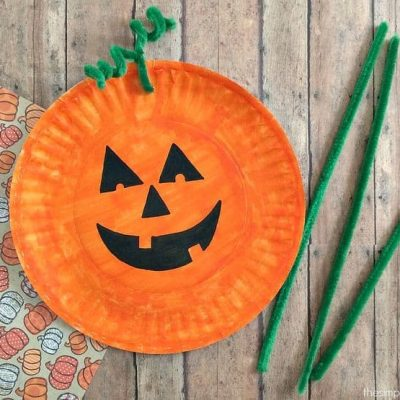 Halloween Crafts for Toddlers and Preschoolers thumbnail