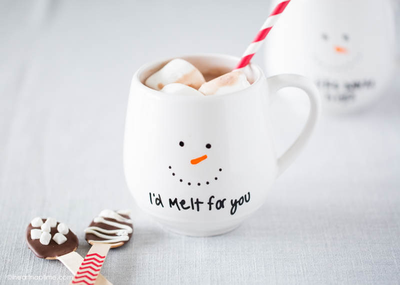 DIY PAINTED MUG EASY AND AFFORDABLE GIFT IDEA