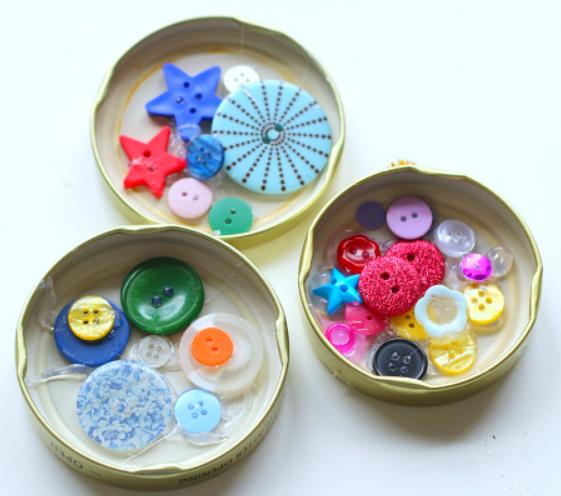 Simple button pendants kids can make