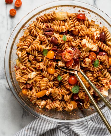 Delicious sundried tomato pasta salad