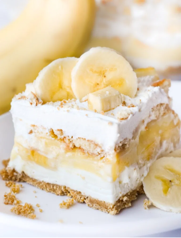 A delicious and easy to make banana pudding dessert