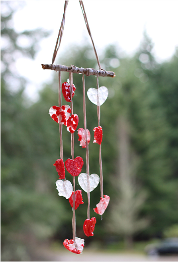 A pretty heart wind chimes