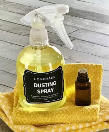 Cheap and homemade dusting spray with only 3 ingredients
