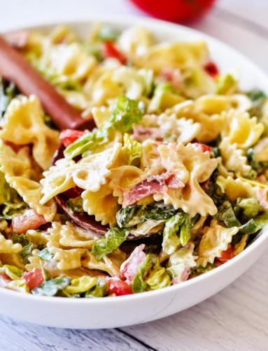Bacon, lettuce and tomato pasta salad