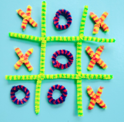 pipe cleaner tic tac toe game