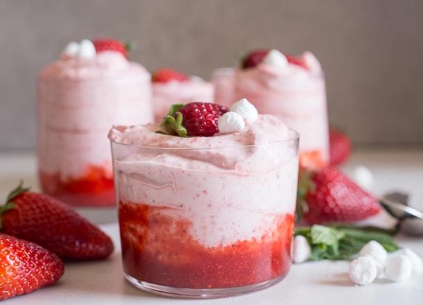 Fresh strawberry mousse