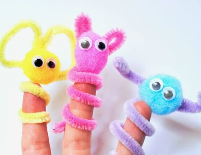 pipe cleaner crafts - adorable finger puppets