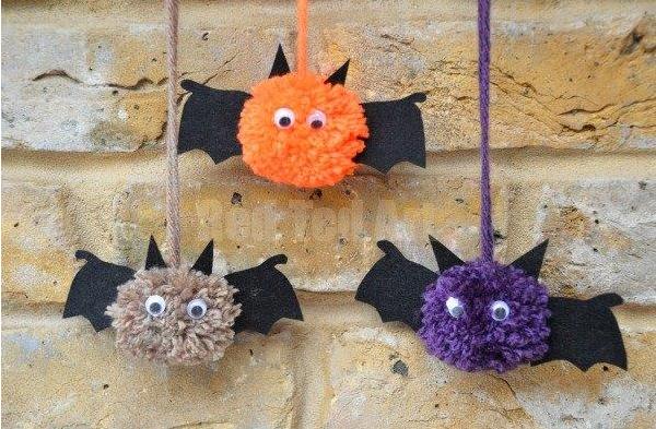 Bat Crafts – Pom Pom Bats