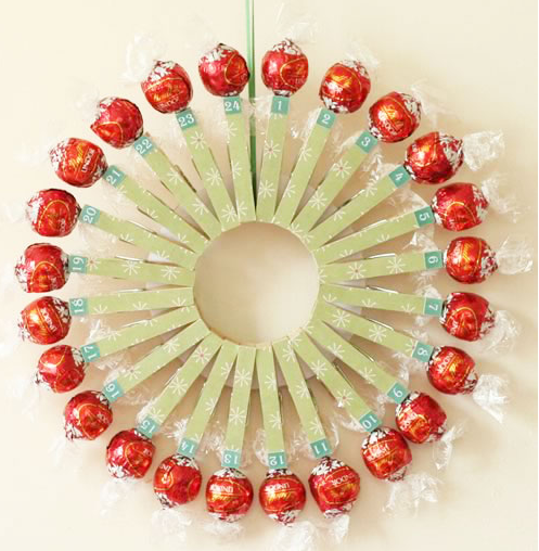 make your own advent calendar wreath colorful craft