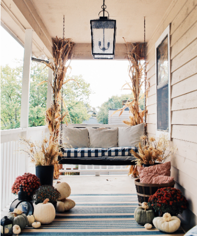 the essentials for outdoor fall decorating  holiday craft