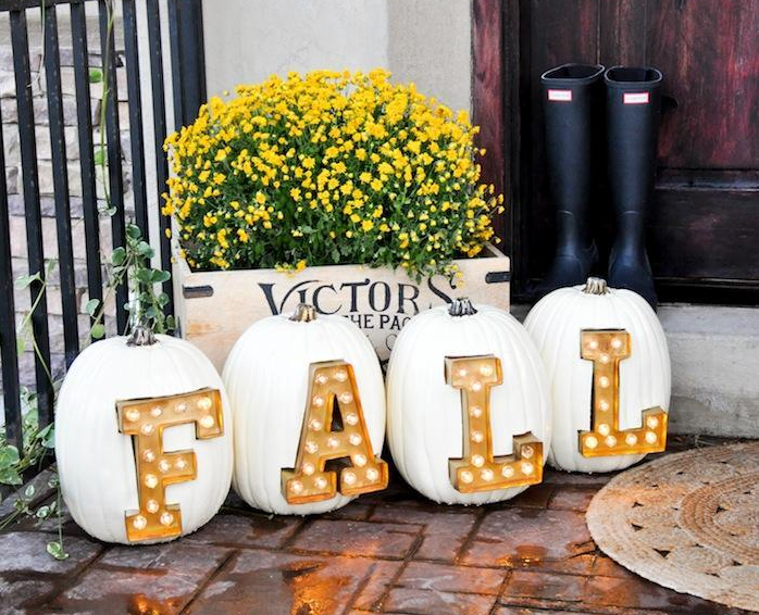 homemade marquee light letter pumpkin holiday decor project