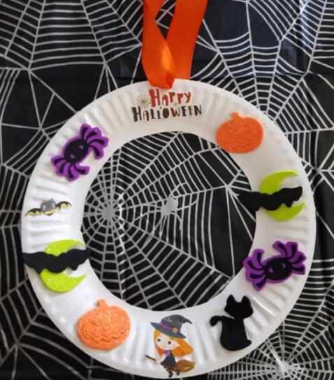 Halloween sticker wreath