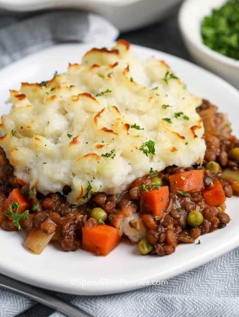 Easy Lentil Shepherd's Pie Healthy Vegetarian Dish