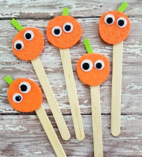 five little pumpkins puppets holiday craft for kids