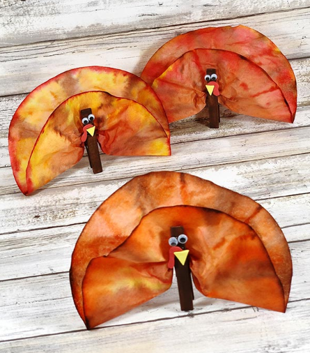 easy to make coffee filter turkeys thanksgiving craft for kids