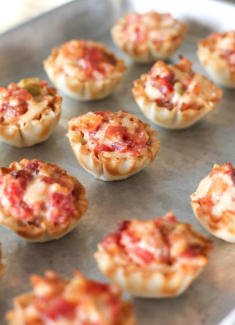 Yummy and spicy tomato bacon bites